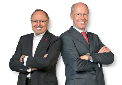 Stepping down from Spielwarenmesse eG after almost 20 years: Executive Board Members Ernst Kick (CEO; left) and Dr. Hans-Juergen Richter. Bildnachweis: Spielwarenmesse eG/Peter Dörfel (PRNewsfoto/Spielwarenmesse eG)